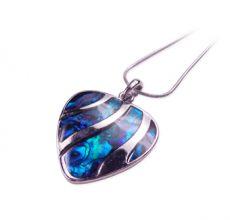 El poder del azul en la joyería